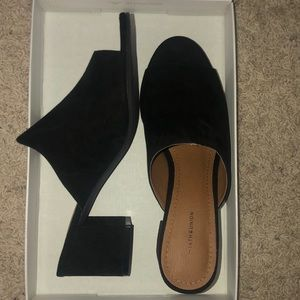 14th and Union block heel sandal size 9